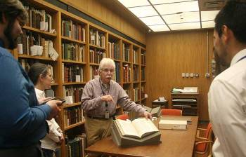 Dr. Steve Greenberg addresses guests in the History of Medicine Reading Room.