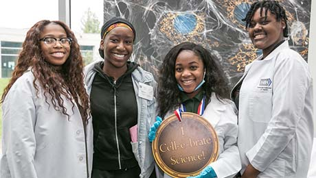 Mentoring in Medicine Event Surprises and Motivates Students | NLM