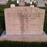Headstone for Harold Wellington Jones