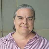 casual headshot of Lisa Hisel
